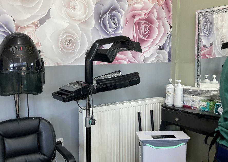 Air Purifier In A Busy City Salon